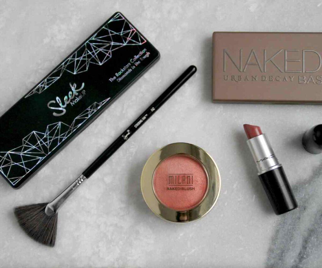 best sweatproof makeup to wear in summer featured
