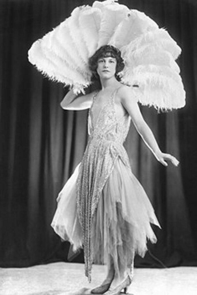 flapper dress 1920 fashion history