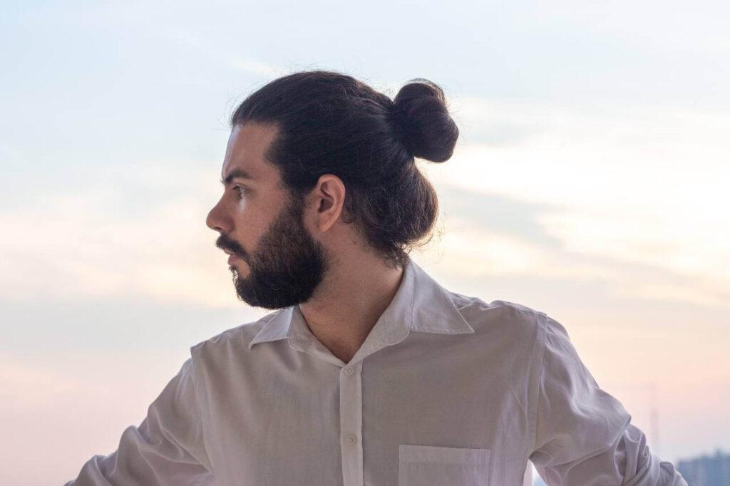 man-bun-hair-style